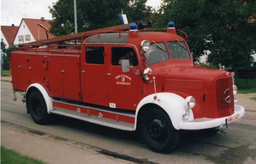 IGMM - Die erste Farbe kommt ans Fahrzeug - TLF 15 vor der Restaurierung